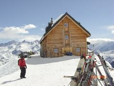 Cabane Mont-Fort, Verbier Old Pictures, Mount Everest, Cabin, House Styles, Switzerland, Places, Travel, Mountain, Viajes