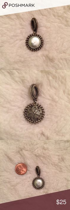pearl pendant vintage silver pearl pendant (not silpada) no flaws. like new. Silpada Jewelry Necklaces