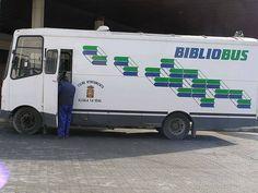 Biblioteca móvil en Alcalá la Real, Jaén, España. photo de Michelangelo-36)