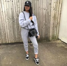 View more ideas about Fashion clothes, Plunder clothes and Female styles. Lazy Day Outfits, Chill Outfits, Swag Outfits, Casual Outfits, Fashion Outfits, Winter Outfits, Traveling Outfits, Cozy Outfits, Fashion Clothes