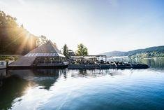 Kap 4613 – die Pyramide im Millstätter See, Millstatt Das Bistro & Cafè Kap 4613 befindet sich direkt an der Uferpromenade des Millstätter Sees in Millstatt. Auf der schwimmenden Inselkonstruktion in Pyramiden-Form chillt man wie am Sandstrand, die herrliche Aussicht auf den See inklusive. Die gemütliche Location ist auch im Winter außergewöhnlich – mit Weihnachtsstimmung auf der Lichterterrasse. Definitiv ein MUST-SEE am Millstätter See!  #kärnten #carinthia #austria #österreich…