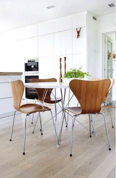 Via Coco Lapine   Arne Jacobsen Chairs   Diningroom