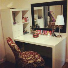 Vanity/ beauty station