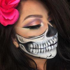 Half Skull Half Skeleton Makeup, Half Skull Makeup, Halloween Skull Makeup, Halloween Makeup Looks, Halloween Make Up, Half Skull Face Paint, Fantasias Halloween, Fantasy Makeup, Creative Makeup