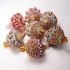 Ohrring aus Rocailles Perlen | Perlotte Schmuck