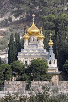 Mary Magdalene Church, Jerusalem, Israel. Astrogeographic position: in the last degrees of the spiritual, independent, rebellious and outcast air sign Aquarius the sign of the sky and in between the fire sign Aries and the earth sign Taurus for field level  4.
