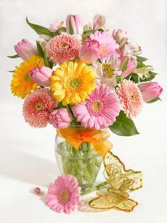 Marianna Lokshina - Bouquet in vase_LMN17568.jpg