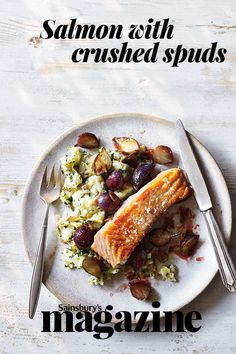 Try this speedy salmon supper for two, served with radishes and crushed potatoes Salmon Recipes, Potato Recipes, Seafood Recipes, Vegan Meals, Vegan Recipes, Cooking Recipes, Magazine Recipe, Meals Under 500 Calories, Crushed Potatoes