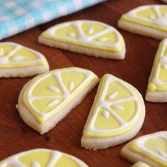 Lemon Almond Sugar Cookies-Get your hourly source of sweet. Buttery Sugar Cookies, Almond Sugar Cookies, Sugar Cookie Icing, Lemon Cookies, Iced Cookies, Cut Out Cookies, Sugar Cookies Recipe, Cake Cookies, Cookies Et Biscuits