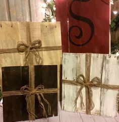Wood Christmas Presents, Pallet Presents, Country Christmas, Rustic Christmas Decor, Christmas Porch Decor, Pallet Christmas Decorations, by RockinYDesign on Etsy
