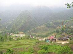 Vietnam. walking down the mountain to a beautiful village