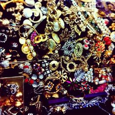 vintage shopping in new york city: Chelsea Antique's Garage