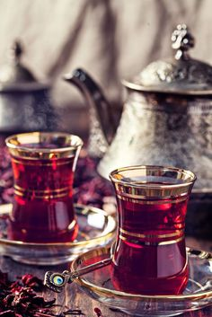 The Red Tea Detox is a new rapid weight loss system that can help you lose several pounds of pure body fat in just 14 days! It involves drinking a special African blend of red tea to help you lose weight fast! Coffee Time, Tea Time, Tea Art, Turkish Coffee, Tea Ceremony, Detox Tea, Tea Recipes, High Tea, Drinking Tea
