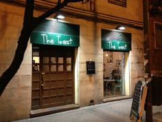 """See 118 photos and 54 tips from 680 visitors to The Toast. """"The Toast Café in Madrid is the perfect place to enjoy an American-style brunch. Brunches, Perfect Place, Madrid, Toast, American, Classic, Classical Music, Toasting Flutes"""