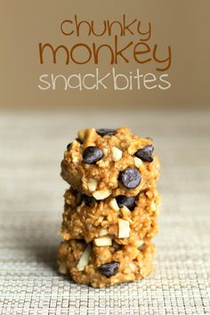 Chunky Monkey Snack Bites || runningwithspoons.com | make with #chex quick oats, chocolate, banana!