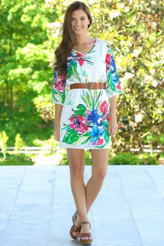 Want, Need Love! We are obsessed with this floral shift dress! Repin!