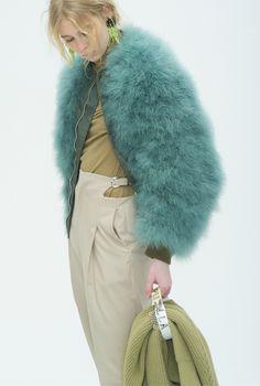 「トーガ プルラ(TOGA PULLA)」が2018-19年秋冬コレクションを発表した。 Asian Fashion, Love Fashion, Fashion Women, Fashion Beauty, Autumn Fashion, Fashion Design, Toga Pulla, Fashion Clothes, Fashion Outfits