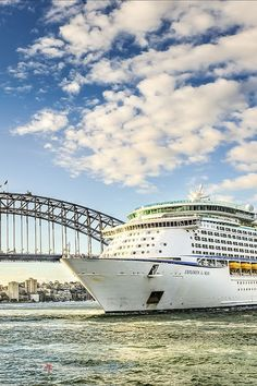 Explorer of the Seas | Let the unique architecture of Australia expand your horizons on what Royal Caribbean destinations around the globe can offer. Pictured: Sydney Harbour Bridge.