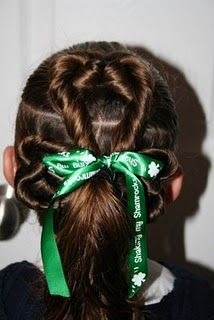 st patricks day little girl hair... topsy tail and some rope twists... easy and adorable!