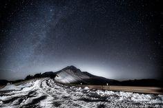 星空 Fascinating Drive Over a Snow-Covered Highway, Directly Under the Brightest Starry Sky -=- Gorgeous Photography by Wan Ru Chen [Shared From Flickr] Awesome !!