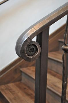 Hand forged handrail volute