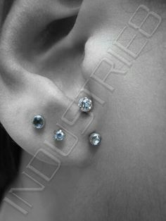I haven't seen the secondary ear piercing in this style before but with this set up it's beautiful.however like most piercings I think the jewellery & a persons overall style can make or break the look. Body Jewelry Piercing, Ear Jewelry, Piercing Tattoo, Body Piercing, Surface Piercing, Jewellery, Tattoo Ink, Cool Piercings, Types Of Piercings
