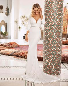 Beloved by Casablanca Simple, sexy and chic, Style Honor from Beloved by Casablanca Bridal is a minimal Meghan Markle-esque dream. The fit-and-flare silhou Bridal Gowns, Wedding Gowns, Wedding Outfits, Wedding Bells, Wedding Dress Pictures, Long Sleeve Wedding, Dress Out, Dressy Dresses, Casablanca
