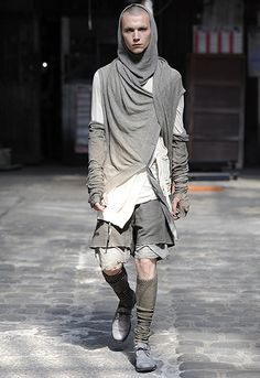 Boris Bidjan Saberi Post-apocalypse clothing / fashion / post-apocalyptic wear / male / dystopian / menswear / men's / style / looks Cyberpunk Mode, Cyberpunk Fashion, Dark Fashion, High Fashion, Mens Fashion, Apocalypse Fashion, Dystopian Fashion, Post Apocalyptic Fashion, Future Fashion