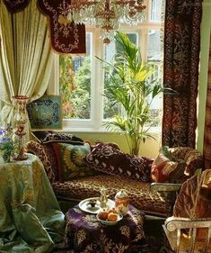 15 Best Living Room Bohemian Design for Small Spaces - Bohemian Home Diy Bohemian Living, Bohemian Style Home, Bohemian Bedroom Decor, Bohemian Interior, Bohemian Design, Style At Home, Boho Chic, Bohemian Gypsy, Vintage Bohemian
