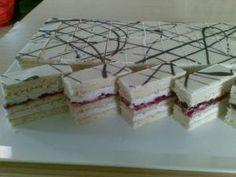 Kokosové rezy Mini Tortillas, Delish Cakes, Oreo Cupcakes, Czech Recipes, Cake Bars, Pastry Cake, Eclairs, Sweet Desserts, Mini Cakes