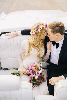 Floral crowns for brides - inspiration. Ideas de coronas de flores para novias. Love them! :D