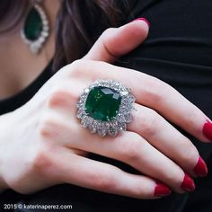Bayco Jewellers : A ring centered upon a gem quality cushion-cut Colombian emerald set within a double row of pear-shaped diamonds Photo Jewelry, Fashion Jewelry, Colombian Emerald Ring, Jewelers Near Me, Emerald Jewelry, Emerald Rings, Lotus Jewelry, Diamond Jewellery, High Jewelry