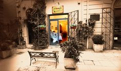 Ricamiamoci Su: little shop selling embroidered linen, for the home, the sea and children  Via delle Croci 14 in Palermo, Sicily