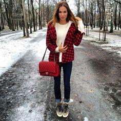 Masha Trotsko in Action Beautiful Outfits, Cute Outfits, Beautiful Clothes, Masha Trotsko, Ootd Winter, Girl Fashion, Fashion Outfits, Plaid, Tartan