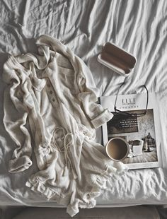 lazy morning | ©HannahLemholtPhotography