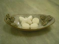 Cerâmica da Coppelia.  Saboneteira Rosas.  Alta Temperatura.