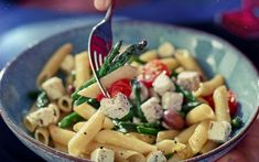 Pasta with asparagus, baby tomatoes and apetina Penne Pasta, Pasta Salad, Baby Tomatoes, Cheese Cubes, White Cheese, Veg Dishes, Stuffed Mushrooms, Stuffed Peppers, Pasta Recipes