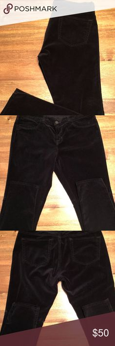 J BRAND VELVET SKINNY JEANS / BLACK / SIZE 30 Women's J Brand Velvet Skinny Jeans.  Black Velvet in Size 30.  Mid-Rise to Low fit below belly button.  Brand New, NEVER BEEN WORN, yet Original Tags are not included.  Style # 901J605.  Purchased at Nordstrom full price.  Perfect skinny fit and great for the upcoming holidays!  Please email if you have specific questions.  Thank you for looking and being interested. J Brand Jeans Skinny
