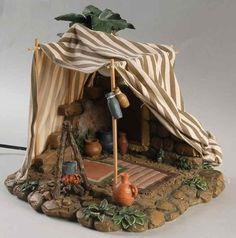 Christmas Crib Ideas, Christmas Projects, Christmas Decorations, Fontanini Nativity, Christmas Nativity Scene, Cardboard Crafts, Miniture Things, Beautiful Christmas, Tent