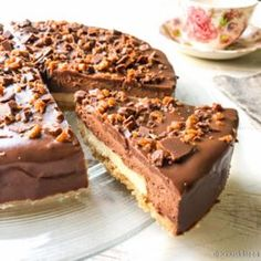 Daimin ystävän suklaakakku Sweet Desserts, Delicious Desserts, Yummy Food, Baking Recipes, Cake Recipes, Dessert Recipes, Swedish Recipes, Sweet Recipes, Sweet Pastries
