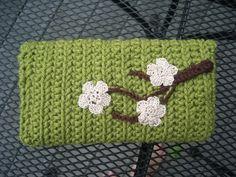 sakura clutch and question *added sortof pattern for sakura flower* - CROCHET