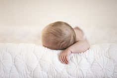 sweet and simple newborn photography