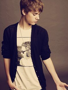 (in)famous Canadian singer, Justin Bieber Justin Bieber Gif, Justin Bieber Wallpaper, Justin Bieber Pictures, One Direction, Beautiful Boys, Beautiful People, Selena, Bae, Videos
