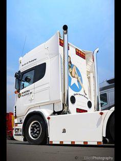 Custom Trucks, Custom Cars, Heavy Truck, Diesel Trucks, Cool Trucks, Cars And Motorcycles, Muscle Cars, Old School, Super Cars
