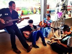 """Darren visits the UCLA Medical Center with """"Musicians On Call"""" ♥"""