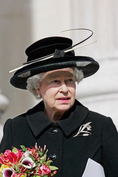 City of London Lilly Brooch.  Queen Elizabeth, 2005
