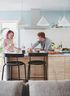 YNGVAR Bar stool, anthracite - IKEA Kitchen Counter Chairs, Counter Height Chairs, Pub Chairs, Bar Stool Chairs, Bar Pas Cher, Ikea Barstools, Inspiration Ikea, Design Ikea, Breakfast Bar Stools