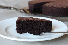 Nigellas sjokoladekake med olivenolje (glutenfri, melkefri) Nigella, Party, Desserts, Food, Baking Soda, Tailgate Desserts, Deserts, Essen, Parties