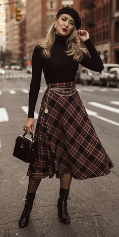 Classy Outfits, Vintage Outfits, Casual Outfits, Vintage Fashion, Modest Fashion, Skirt Fashion, Fashion Dresses, Plaid Fashion, Fashion Goth