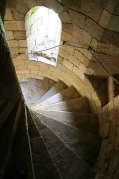 12th Cent. Spiral stair, Castle Rising  geograph.org.uk  photographed by Richard Croft